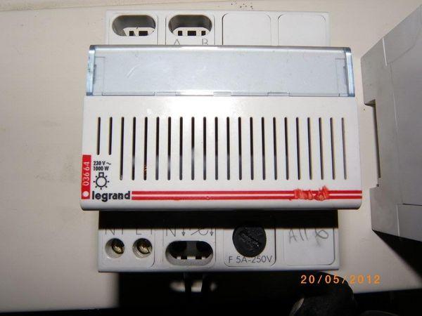 Télévariateur puissance 1000watts 40 Nantes (44)