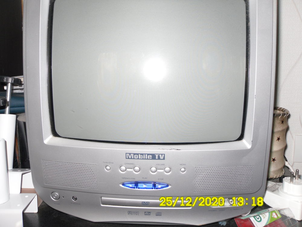 téléviseur avec lecteur DVD pour camping car ou caravaning 15 Le Verdon-sur-Mer (33)