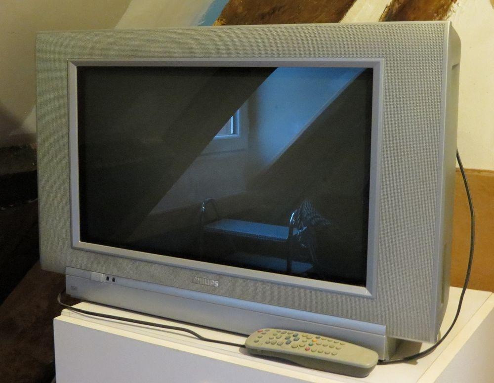 t l s philips occasion annonces achat et vente de t l s. Black Bedroom Furniture Sets. Home Design Ideas