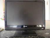 Téléviseur PHILIPS écran plat LCD 56CM. 85 Juan Les Pins (06)
