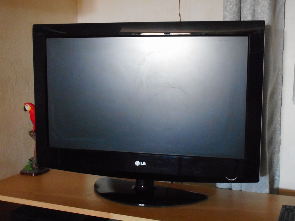 télévision écran plat LG 80 Villeneuve (04)