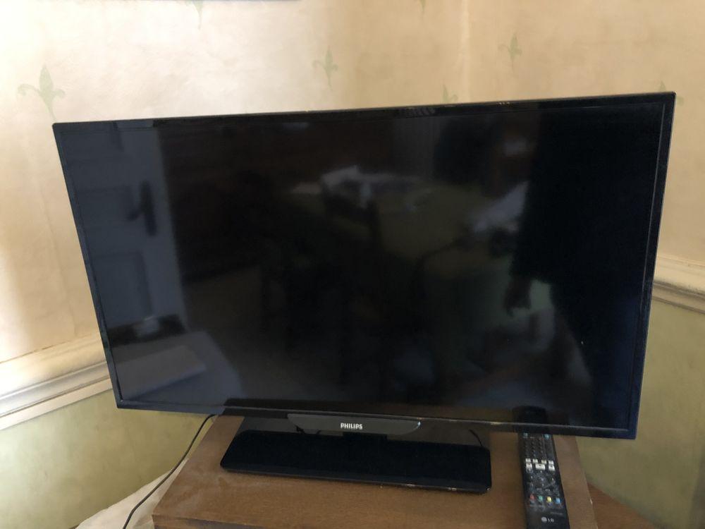 Télévision PHILIPS 81 cm Photos/Video/TV