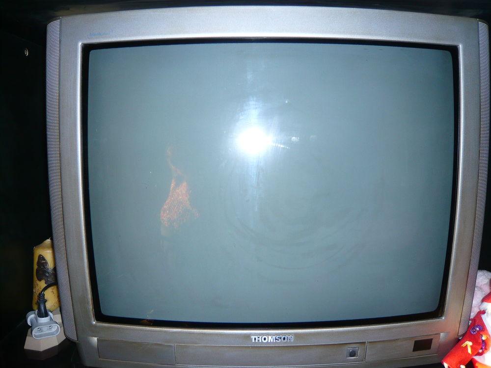 télévision THOMSON 20 Courpière (63)