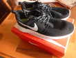 Tennis Nike ROSHERUN blanc et noir pointure 42 Chaussures