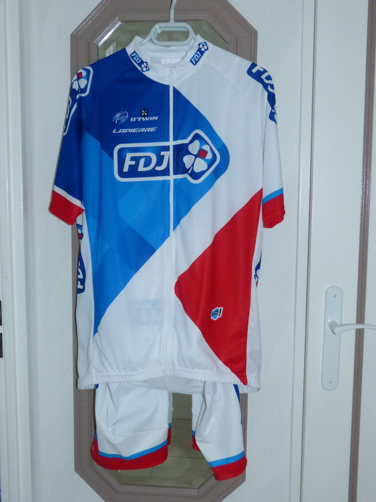 Tenue cycliste  100 Grand-Fort-Philippe (59)