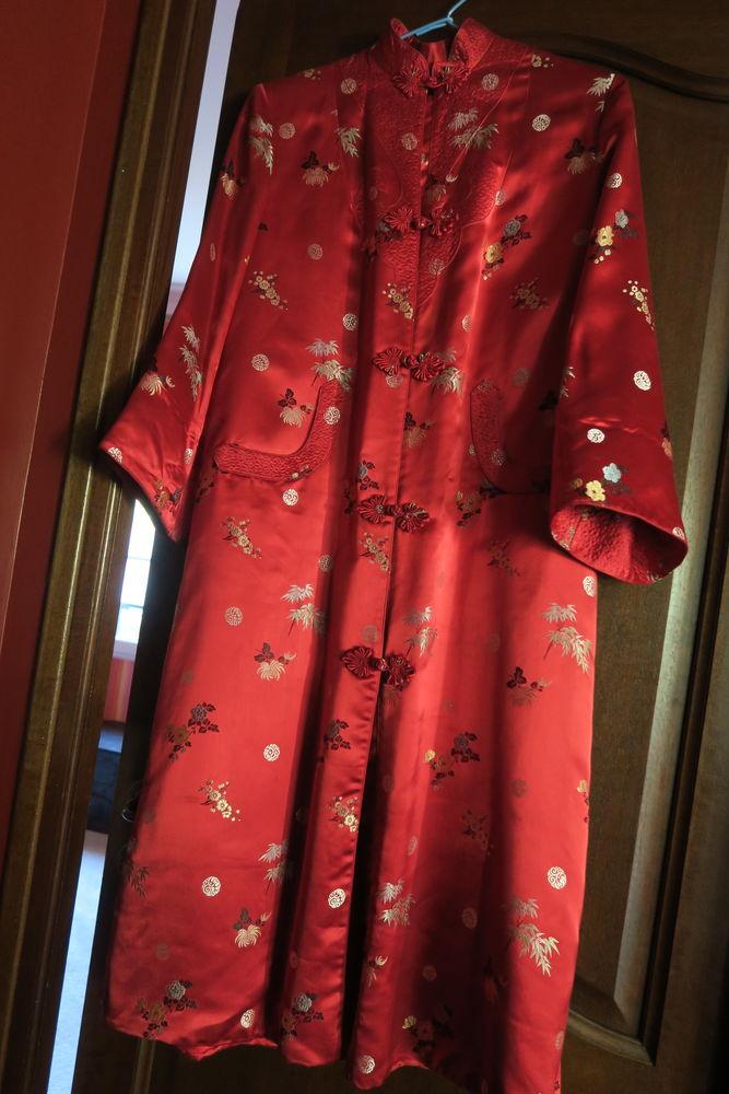Tenue d'intérieur satin rouge Vêtements