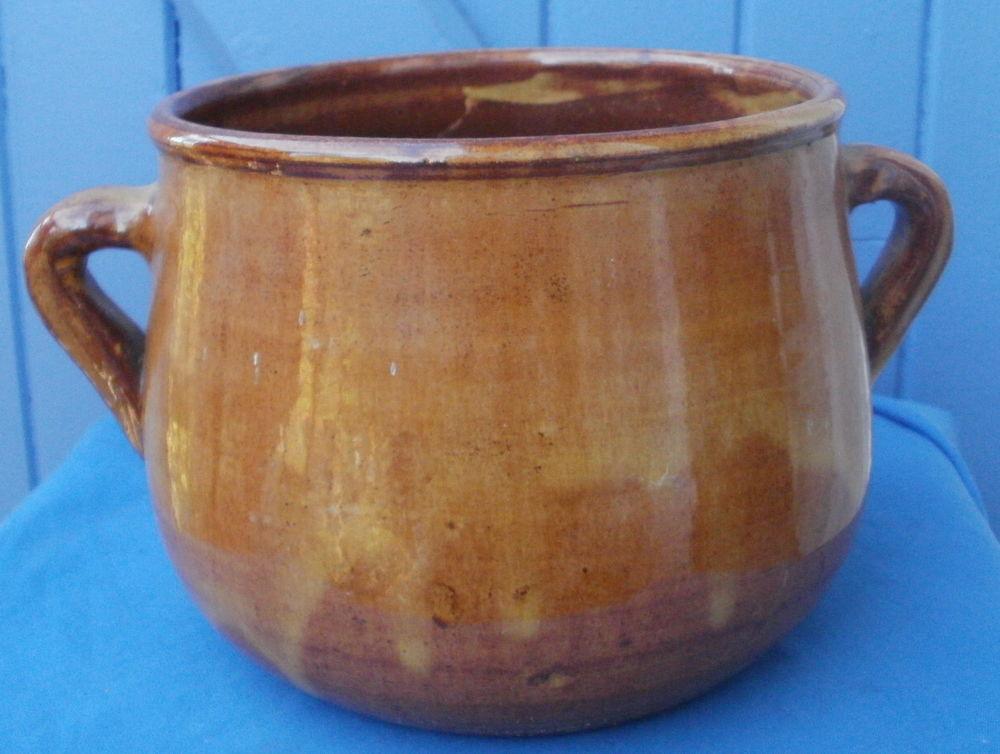 Pot en terre cuite vernissée avec 2 anses