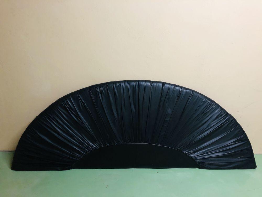 Tête de lit cuir noir  40 Singrist (67)