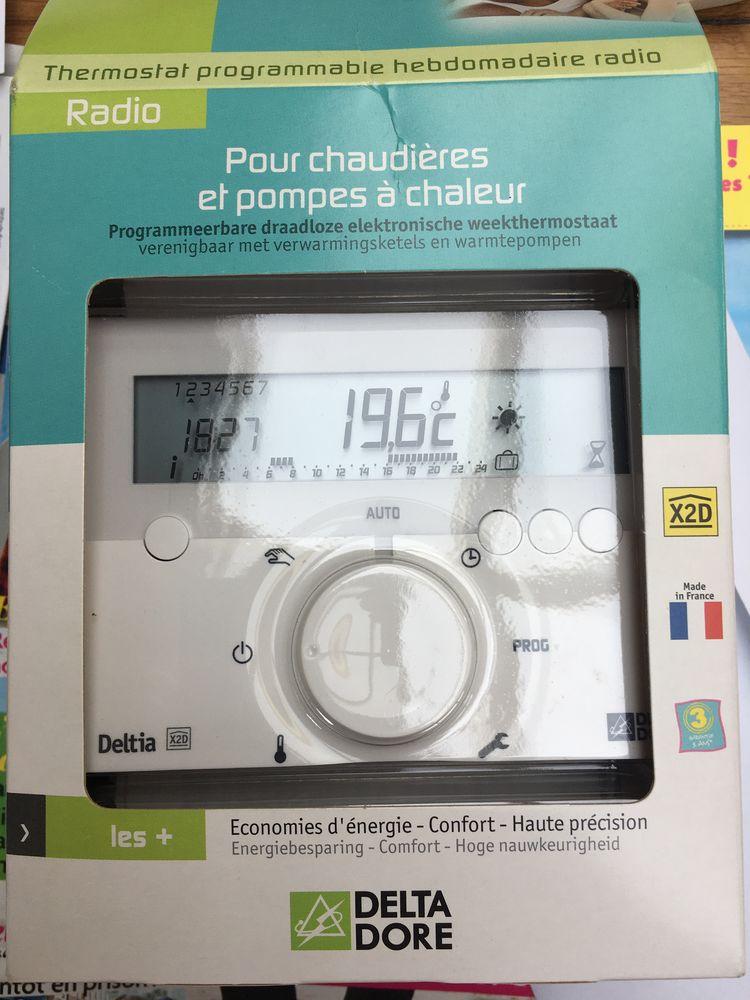 Thermostat programmable hebdomadaire radio de marque DELTIA Bricolage