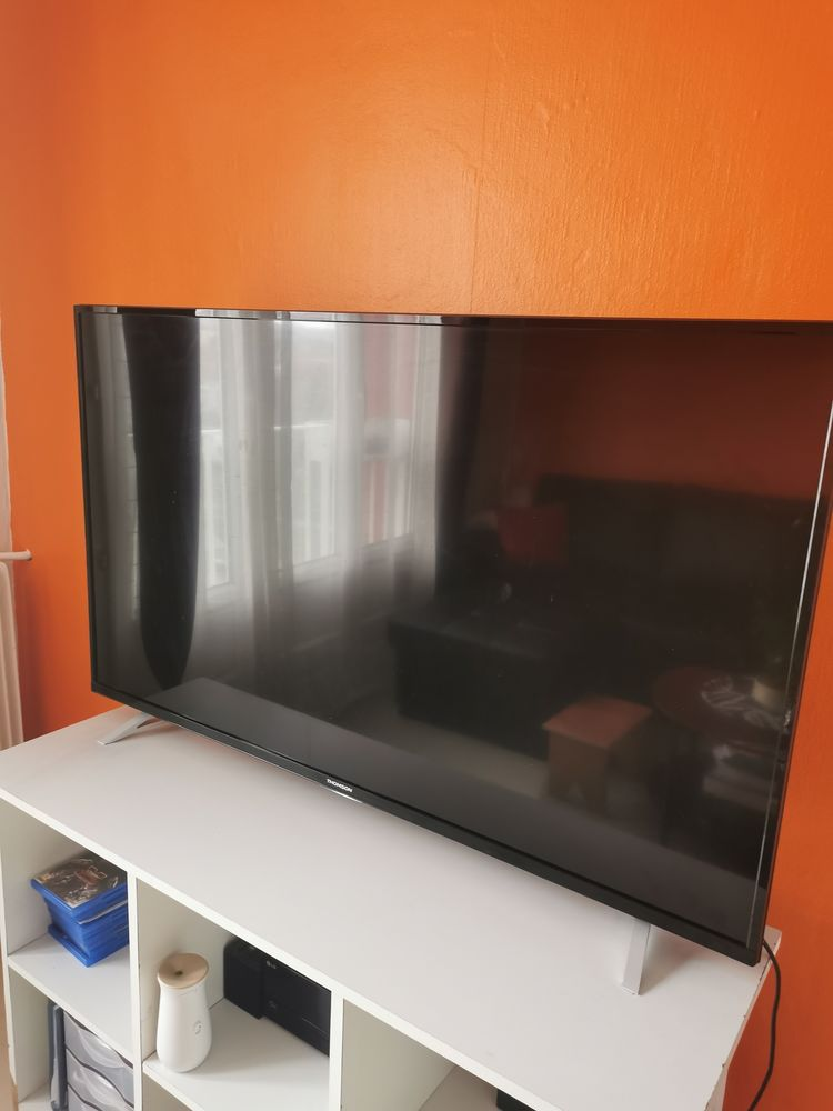 TV THOMSON 299 Noisy-le-Sec (93)