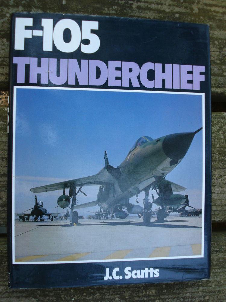 F-105 Thunderchief by Jerry Scutts 8 Avignon (84)