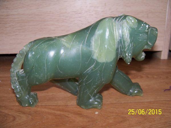 tigre en pierre verte 85 Lons-le-Saunier (39)