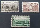 466 - 467 et 469 Timbres avec charnières 1 Joué-lès-Tours (37)