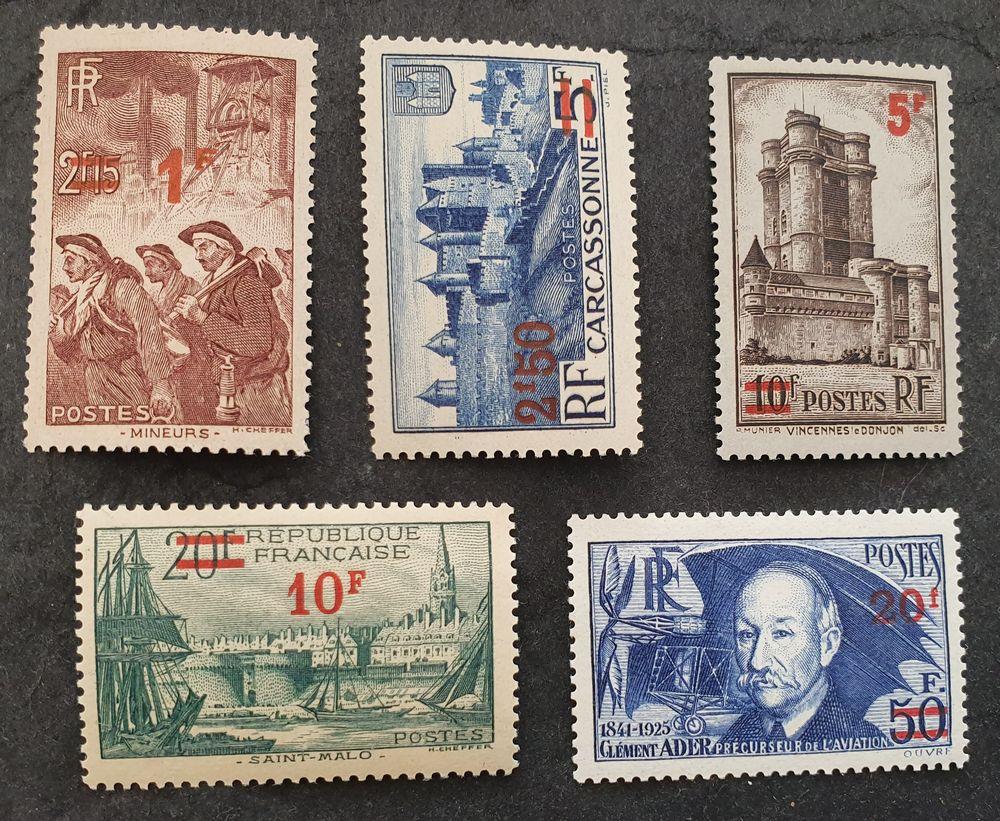 Timbres France série 476 à 493  neufs   15 Joué-lès-Tours (37)