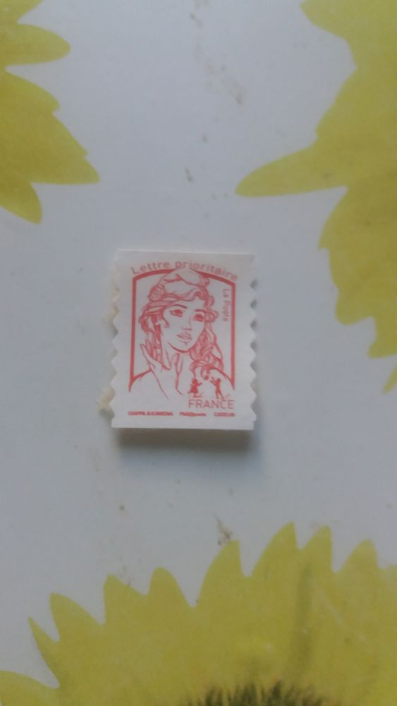 10 timbres rouges non obliteres 3 Miribel (01)