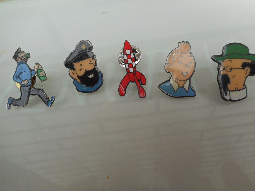 Lot de pin's Tintin 10 Waziers (59)