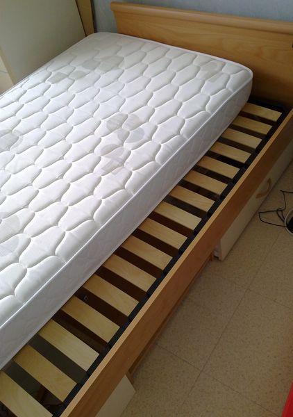 lits occasion en seine maritime 76 annonces achat et vente de lits paruvendu mondebarras. Black Bedroom Furniture Sets. Home Design Ideas