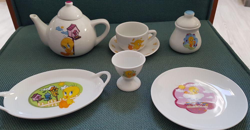 Titi et Gros minet Dînette en porcelaine 9 pièces 9 Oraison (04)