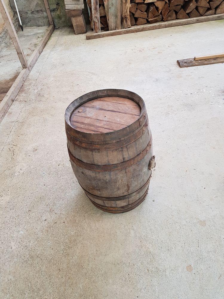 Renover un tonneau en bois great table haute with renover - Renover un meuble en bois vernis ...