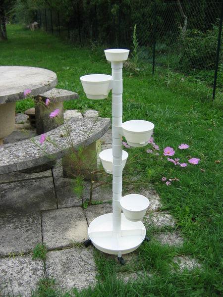 Tour à fleurs ou  plantes vertes  blanche 15 Le Vernois (39)