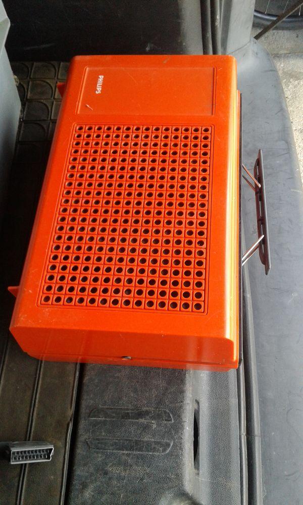 Tourne disque philipps portable orange  60 Ingrandes (49)