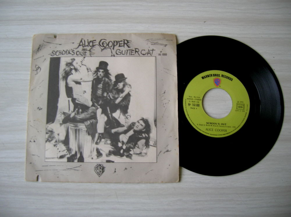 45 Tours ALICE COOPER School's out 17 Nantes (44)