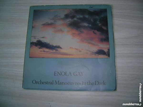 45 TOURS ORCHESTRAL MANOEUVRES IN THE DARK Enola gay 5 Nantes (44)