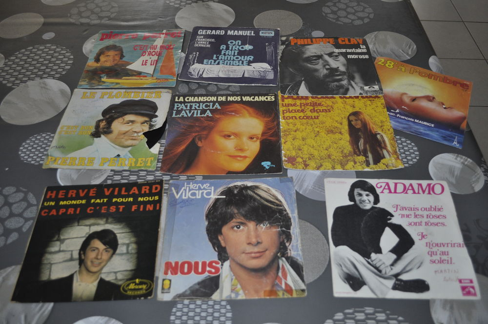 Lot de 45 tours vinyles  Hervé Vilard  5 Perreuil (71)
