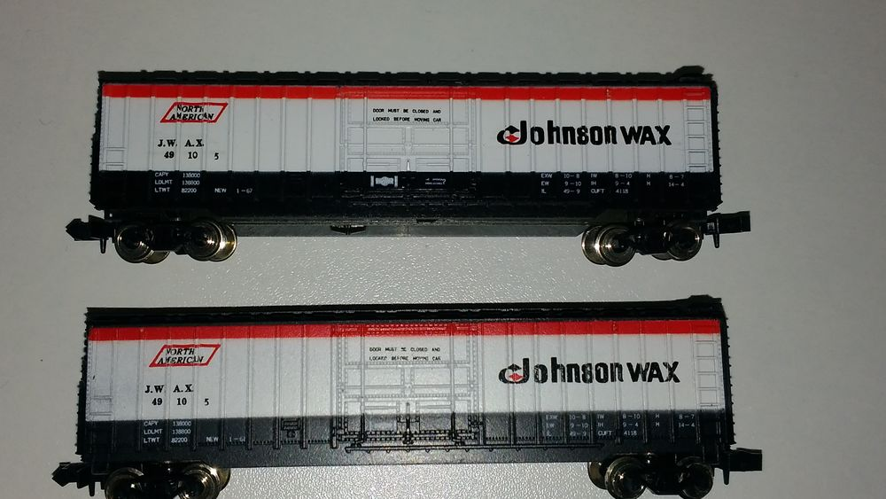 train N M.R.C 7025 - 2 wagons marchandises US Johnson wax 34 Colombes (92)
