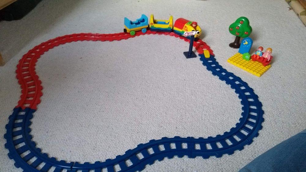Train , gare et personnages Playmobil  10 Montgeron (91)