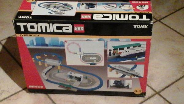 Train Hypercity Tomica 85402 big City Set 25 Éperlecques (62)