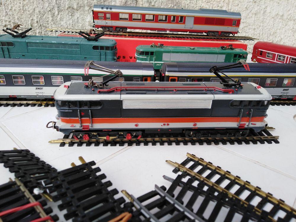 Lot Trains Électriques et Rails HO 150 Saint-Christol (34)