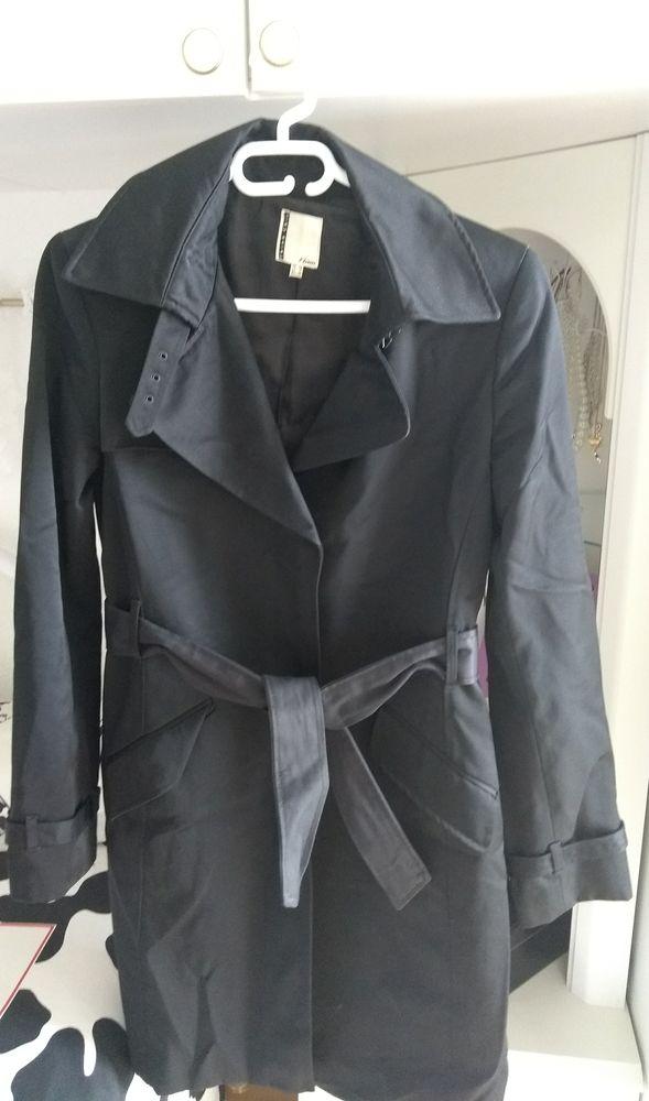 trench coat 15 La Valette-du-Var (83)