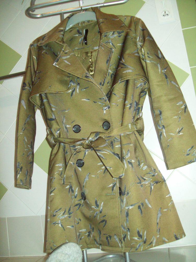 Trenchs et manteau femme 38-40 18 Villars (84)