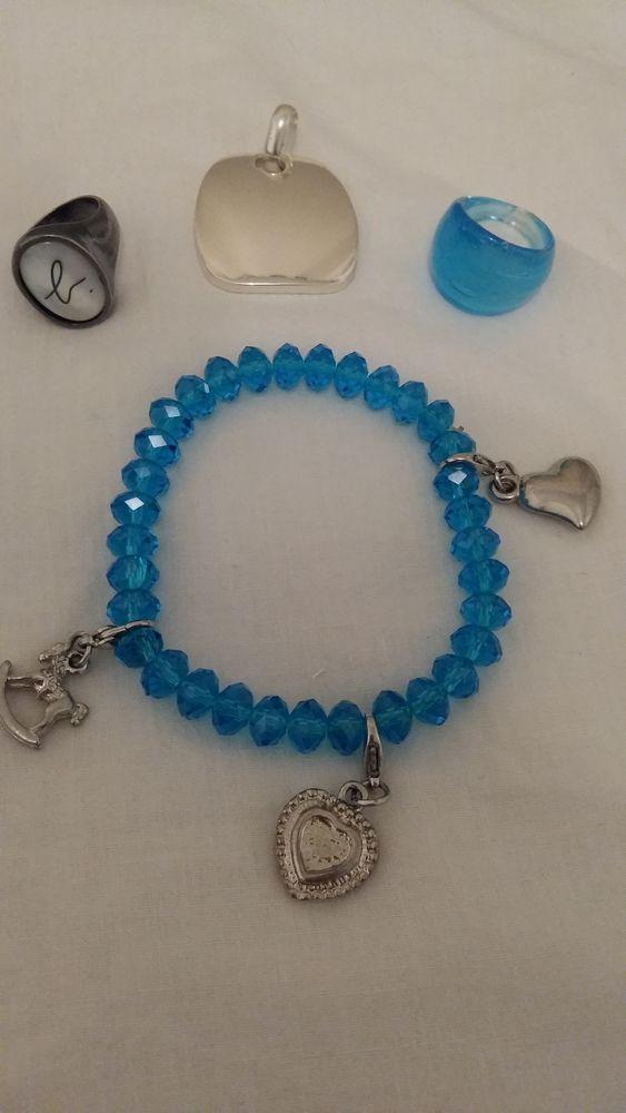 Très beau bracelet bleu. Bague Agnès b 6 La Valette-du-Var (83)
