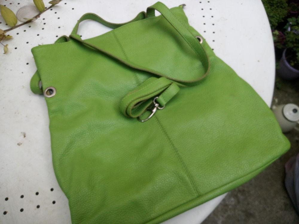 Très beau sac italien vert pomme 30 Montreuil (93)