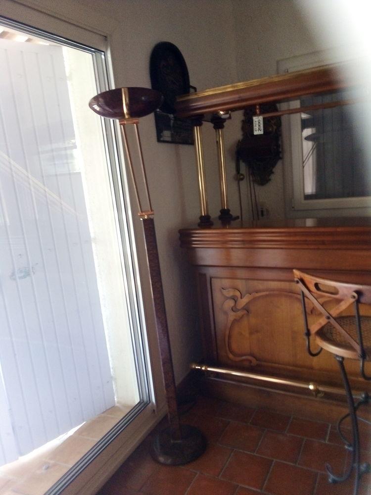 très beau lampadaire contemporain marron et laiton 50 Fréjus (83)