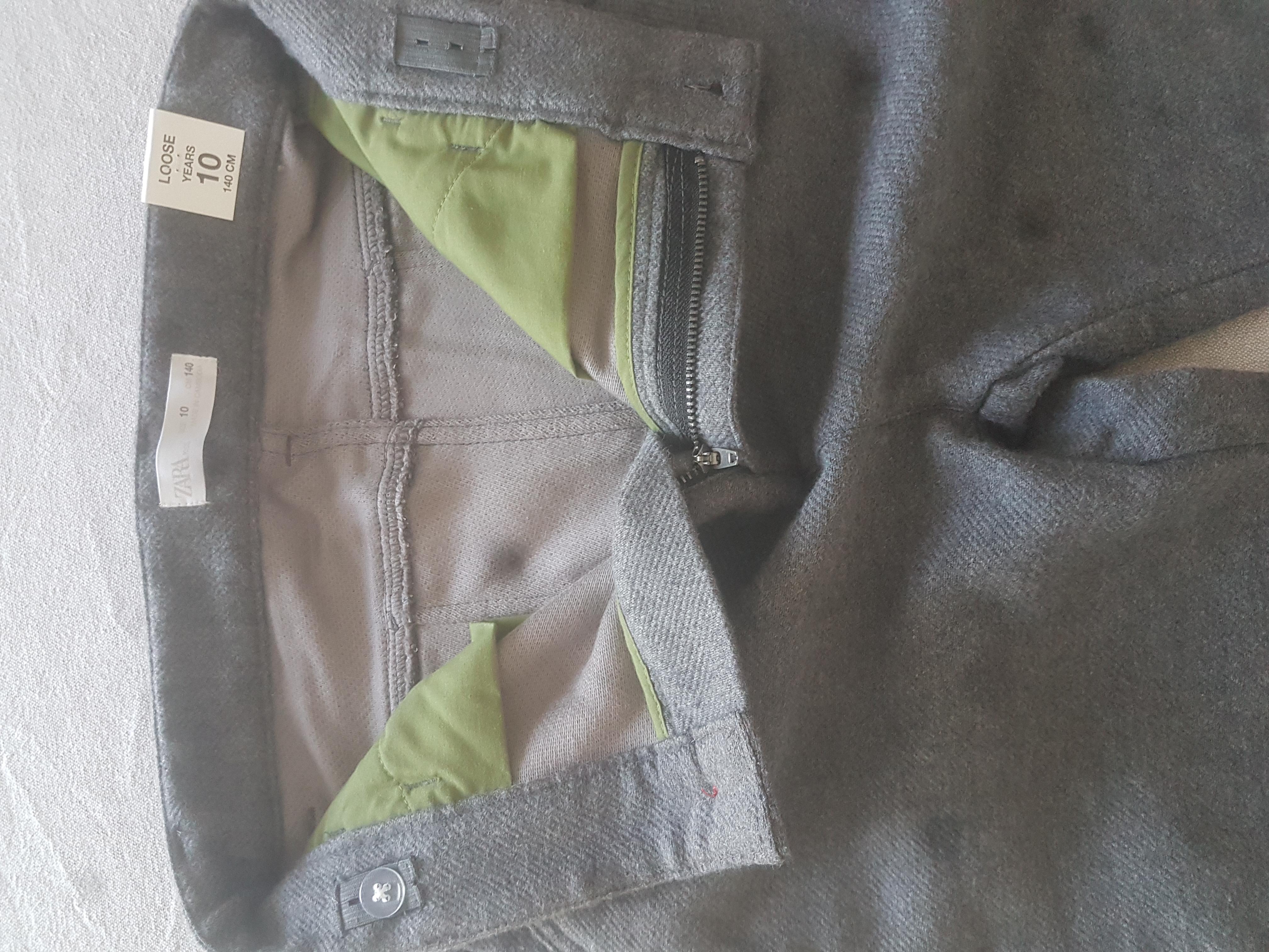 Très beau pantalon enfant neuf étiquette 7 Toulon (83)