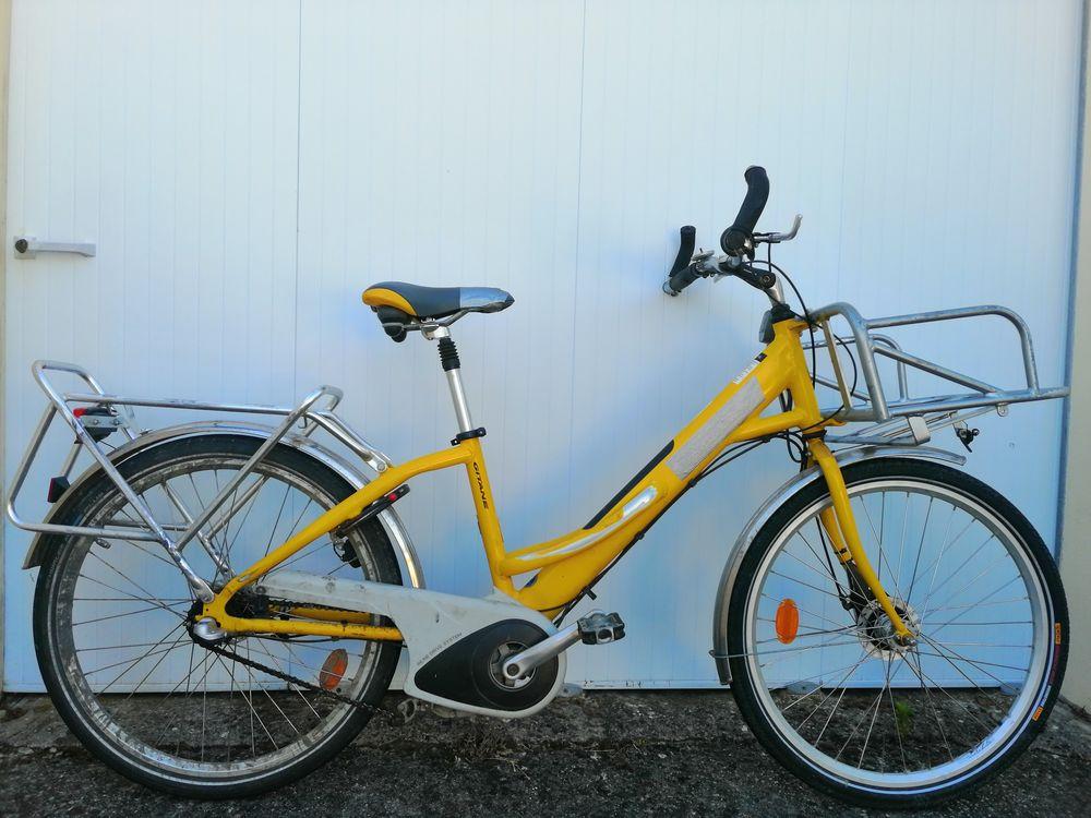 Très beau vélo La Poste 199 Challans (85)