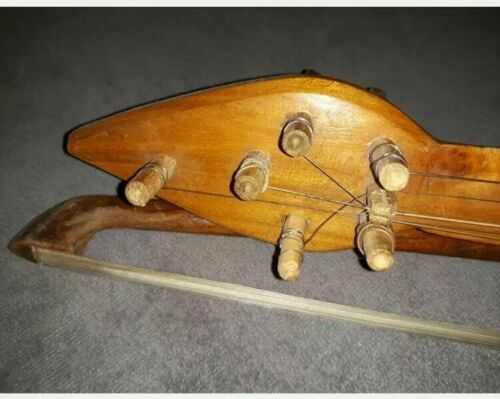 Tres beau Violon Ancien Ethnique, piece unique Collector Instruments de musique