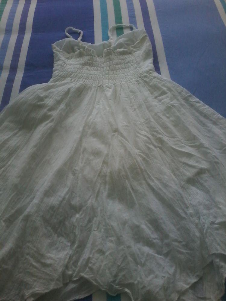 Très belle robe été  de marque  15 Tourcoing (59)