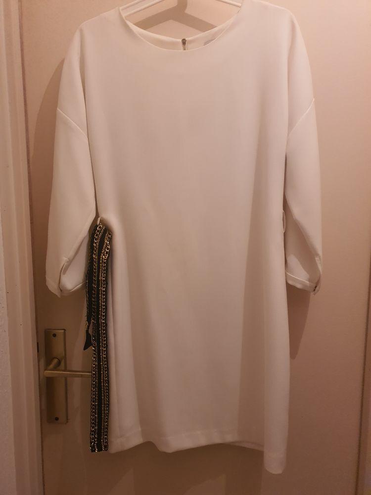 Très belle robe Marque SANDRO  50 Toulon (83)