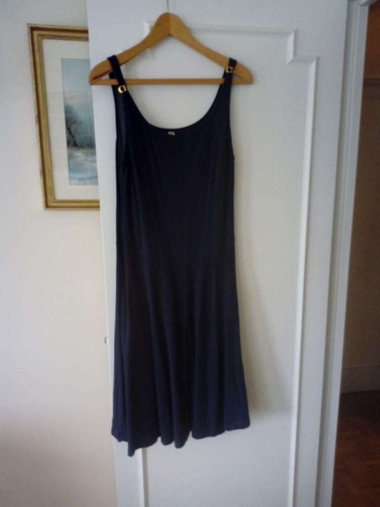 tres belle robe authentique Cristian Dior 50 Ville-d'Avray (92)