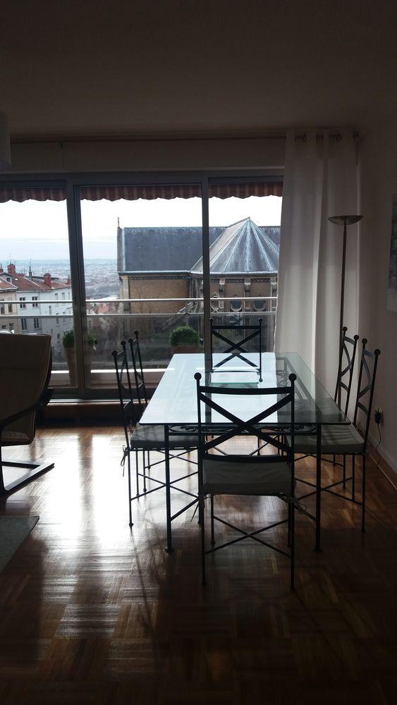 Très belle table à manger rectangulaire en verre 0 Lyon 1 (69)