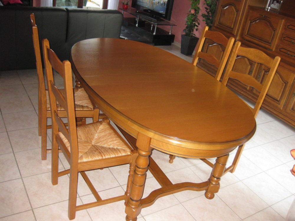 très belle  table salle a manger extensible 4 chaises  130 Vaulx-en-Velin (69)