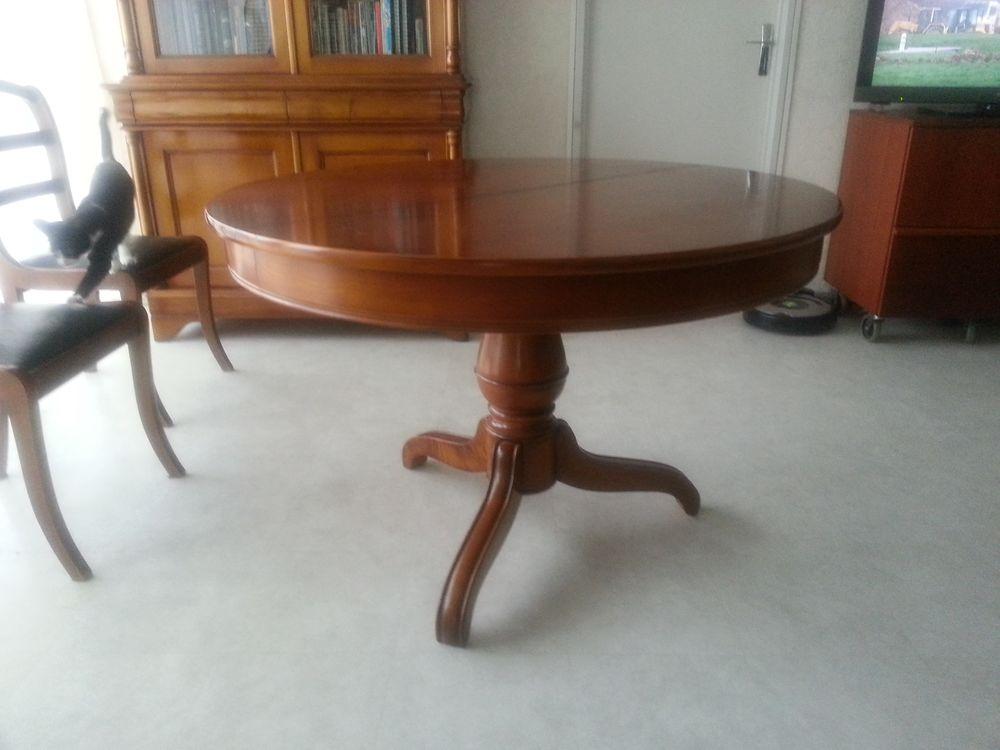 Très belle table Louis Philippe en merisier massif 450 Boussy-Saint-Antoine (91)