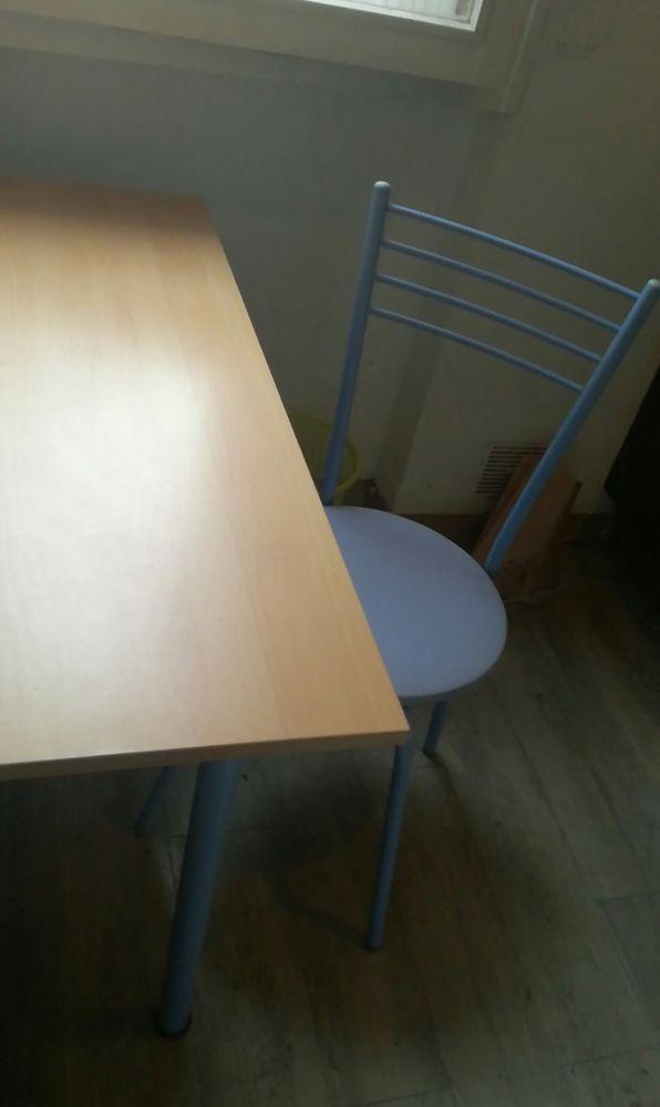 Très bonne occasion: Table à manger plus chaise 50 Toulouse (31)