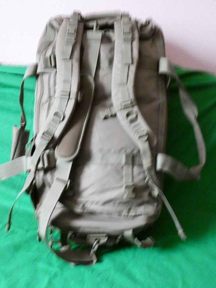 tres grand sac type armée multi fonction   0 Saint-Sauveur-des-Landes (35)