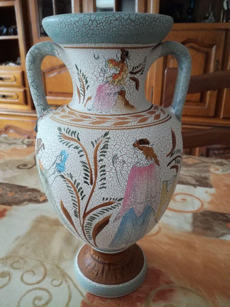 Très joli vase grec de 32 cm de haut fait main 25 Frans (01)