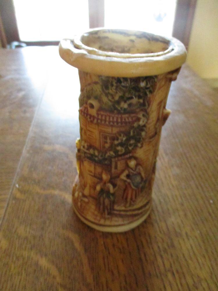 très jolie bougie avec personnages et château - 14 x 7,5 cm 0 Mérignies (59)